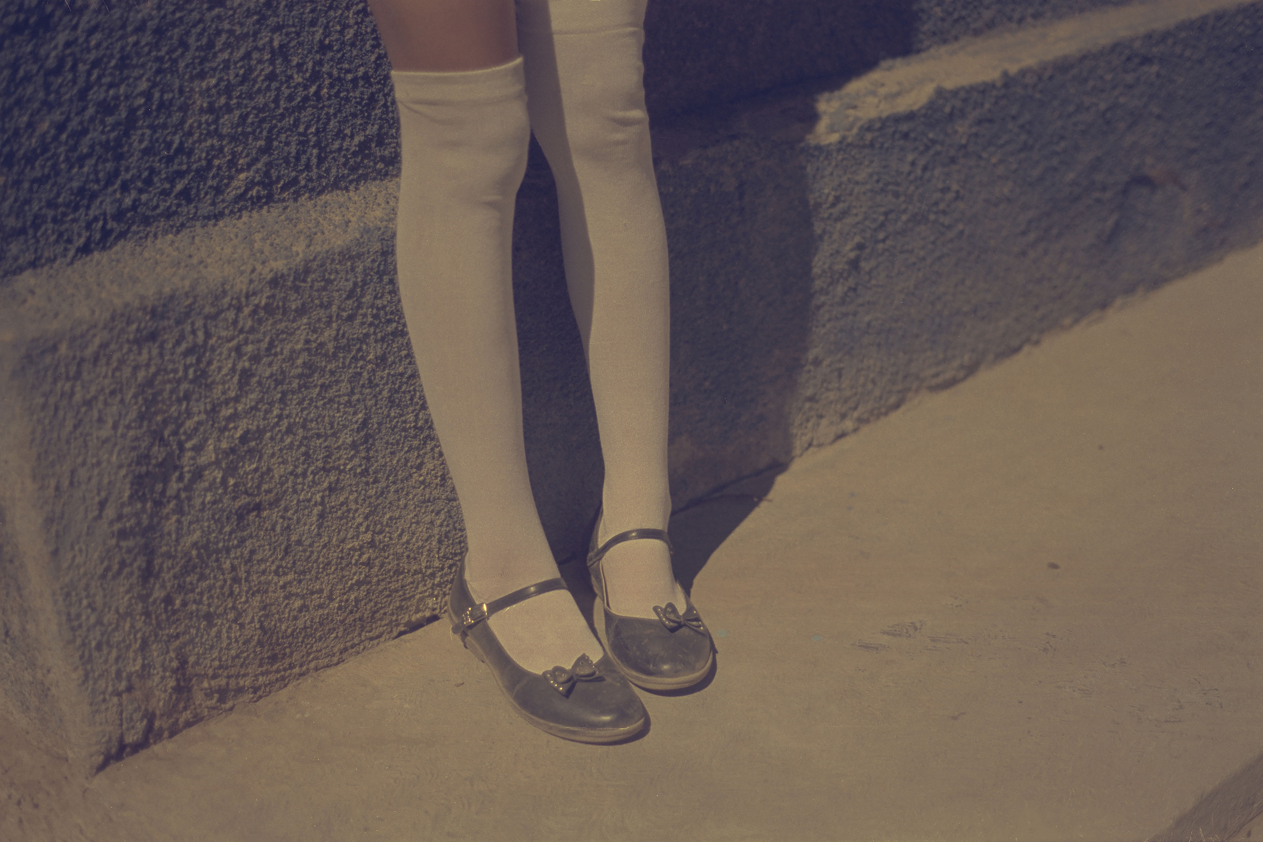 In Mexico, it is mandatory to wear school uniforms. The girls wear white long socks and the boys long pants, regardless of the hot temperature.